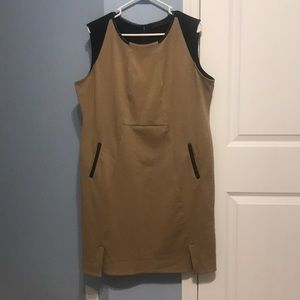 Limited sleeveless dress